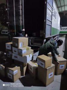武汉捐助行动-国内卸货1