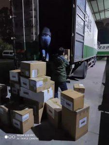 武汉捐助行动-国内卸货2